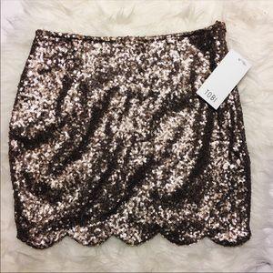 TOBI. Scalloped Sequin skirt